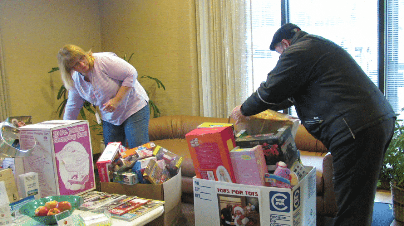CWM Gives Back for the Holidays